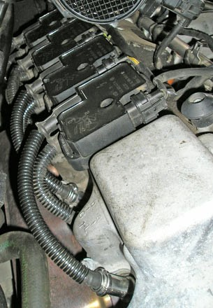 The ignition modules consisting of two individual ignition coils, connected to spark plugs by means of high-voltage wires